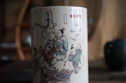 猛犸牙雕大师刘泽军金奖作品——笔筒《管带流传》